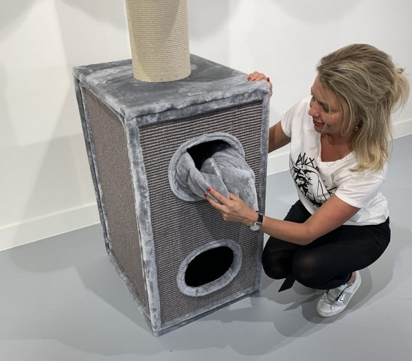 ZOOSHOP.ONLINE - Zoopreču internetveikals - Kaķu māja Kaķu Tornis (gaiši pelēks). 0414 Cat Tree Cat Tower Box Light Grey
