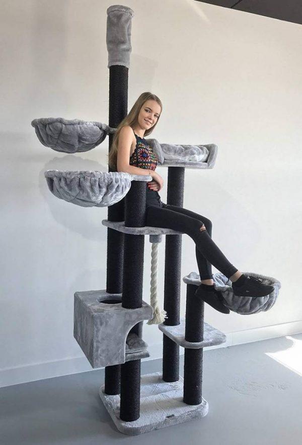 ZOOSHOP.ONLINE - Zoopreču internetveikals - Kaķu māja Kaķu sapnis melna līnija (gaiši pelēka).Cat Tree Catdream de Luxe Blackline Light Grey