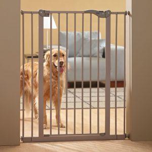 ZOOSHOP.ONLINE - Zoopreču internetveikals - SAVIC Barrier iespiežamie vārtiņi durvīm 107 cm x 75 – 84 cm
