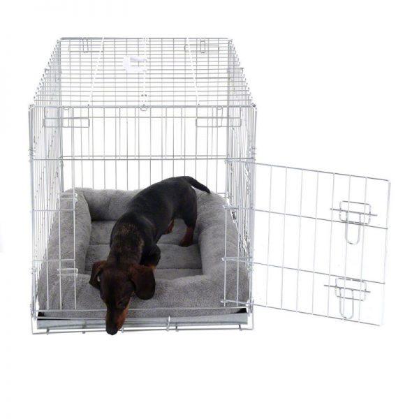 ZOOSHOP.ONLINE - Интернет-магазин зоотоваров - Кровать для контейнеров и клеток для собак плюшевая, цвет светло серый, размер S 64 x 55 x 10 см